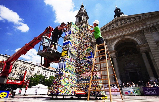 Lego tower sets new world record in budapest - Plus belle construction lego ...