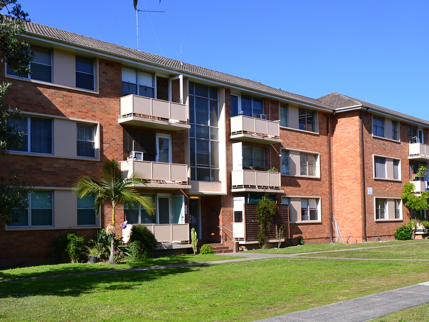 Public housing is in crisis across Australia. Public waiting list times continue to grow longer and longer as demand for public housing has risen well beyond capacity, with the situation only getting worse by the year. Image: rent.com.au
