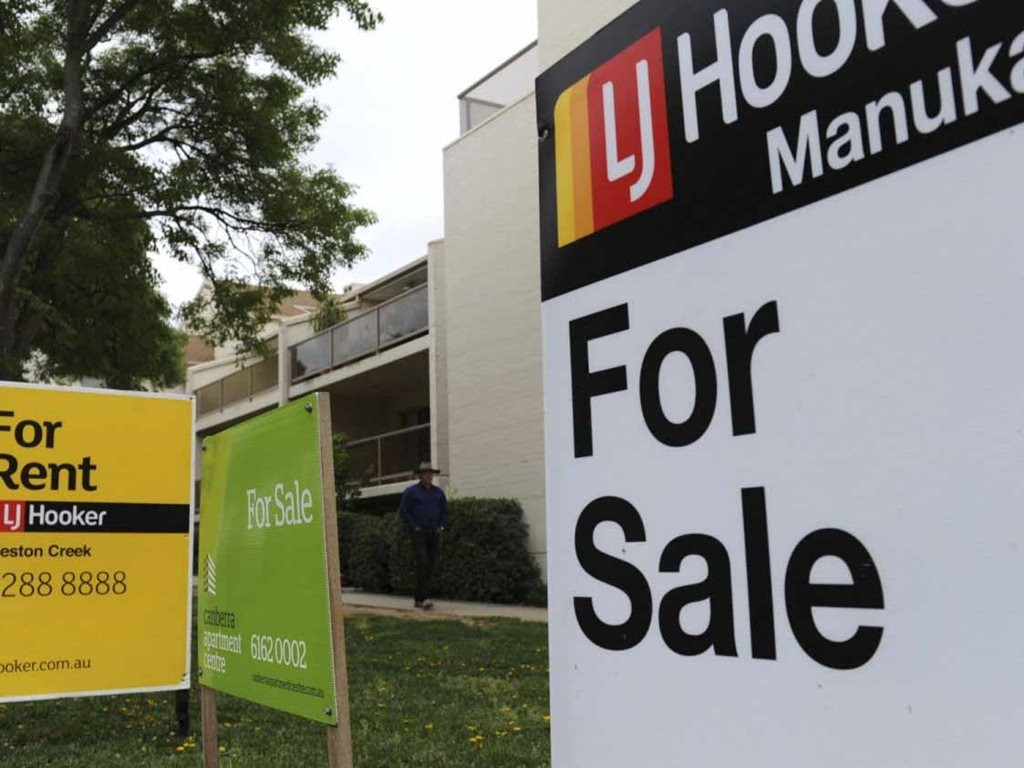 According to the latest CoreLogic Hedonic Home Index, September's national house prices edged just 0.2 percent higher across Australia over the month, led by a 0.3 percent rise in capital city values and a 0.1 percent gain across combined capital and regional markets. Image: www.allhomes.com.au