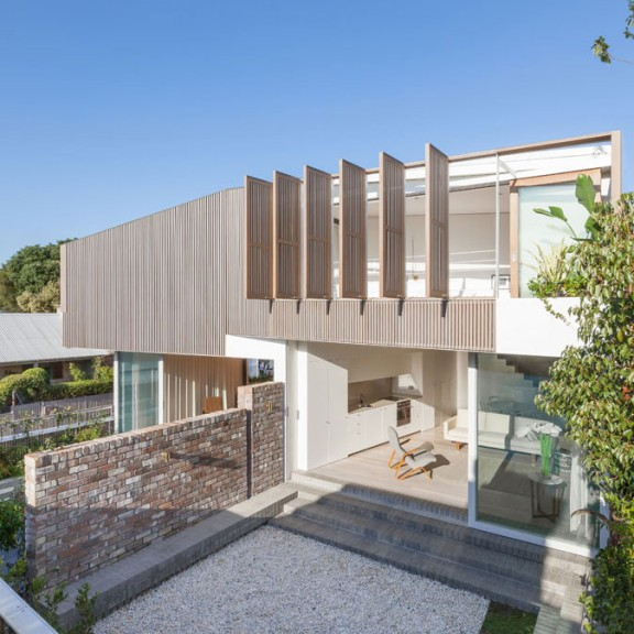 Balmain Houses by Benn & Penna architects was a recipient of a 2014 NSW Architecture Award. Photography by Katherine Lu