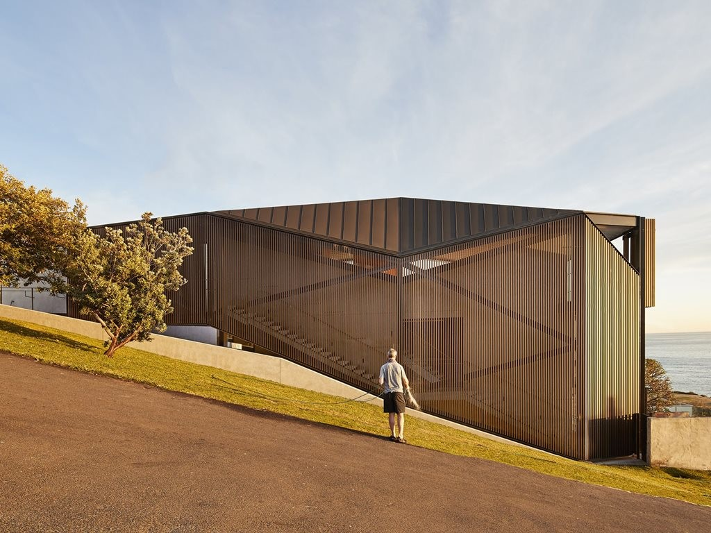 Coogee House: an abstract object in the suburban landscape