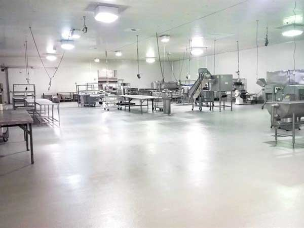 Approximately 1,200m² of Flowfresh SR (4-6mm) and Flowfresh Sealer was installed in Chef's Pantry's refurbished vegetable processing area to create an ultra-hygienic floor finish