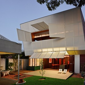 CASA31_4 Room House by Caroline Di Costa Architects and iredale pedersen hook architects