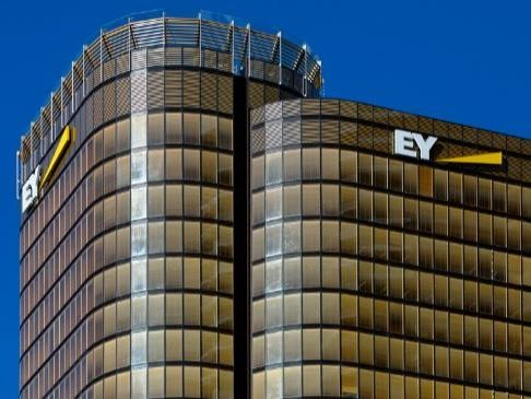 200 George Street, now known as the EY Centre features Australia's first closed cavity facade with cavity timber venetians. Photography by Alexander Mayes