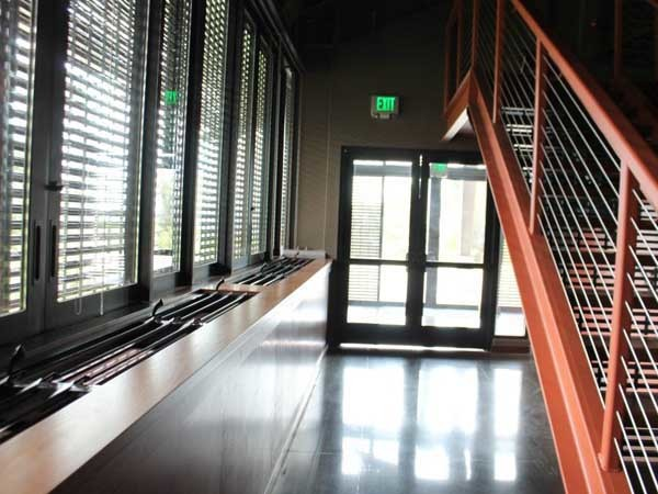 Breezway Powerlouver windows bring in fresh trade winds on the lower level