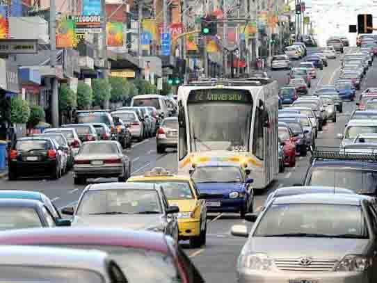Urban congestion is a major focus area in the 2018 Federal Budget with substantial infrastructure investments aimed at addressing challenges posed by a growing population. Image: Urban Melbourne