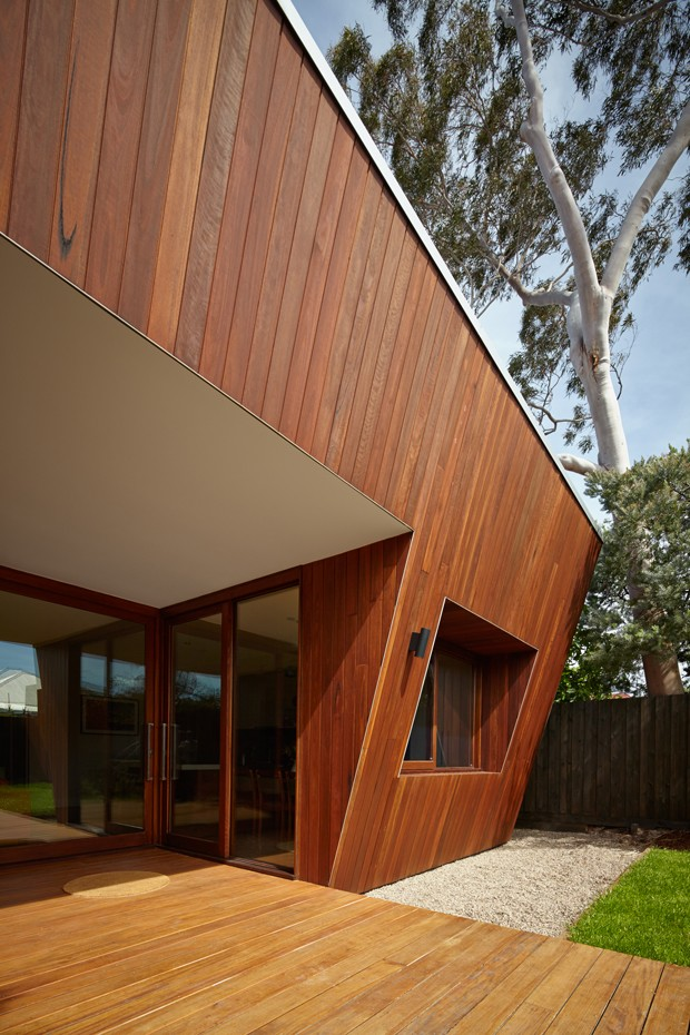 Angled Timber Clad Facade Boosts Passive Solar Design Of