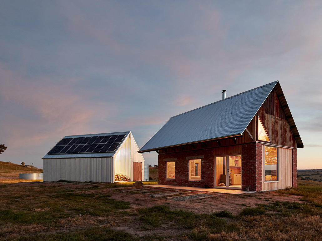 Rugged beauty shines in an off-grid rural house