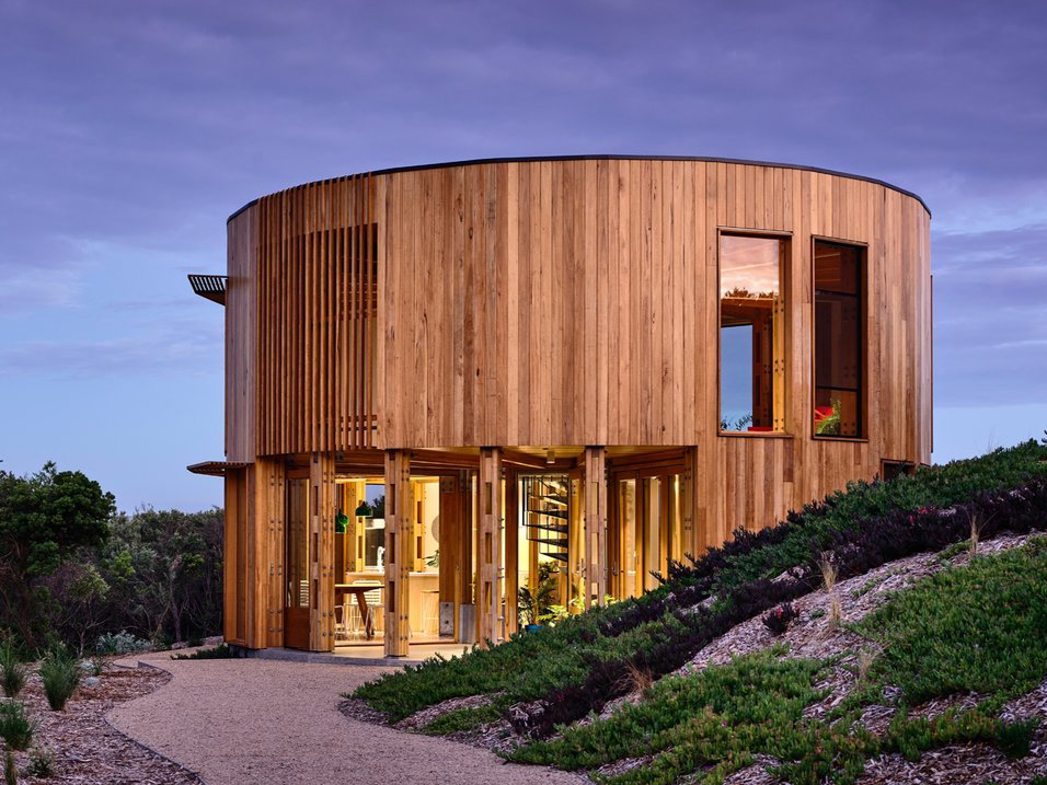 "The timber beach house that's ""all front"""