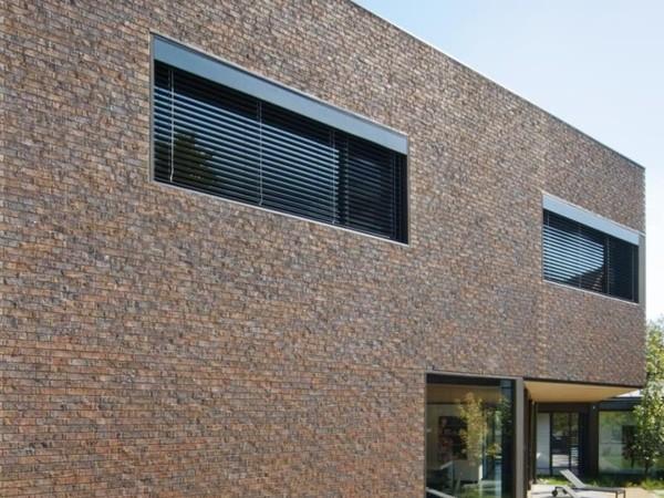 Sawdust fuel fires australia s first carbon neutral bricks for Carbon neutral home designs
