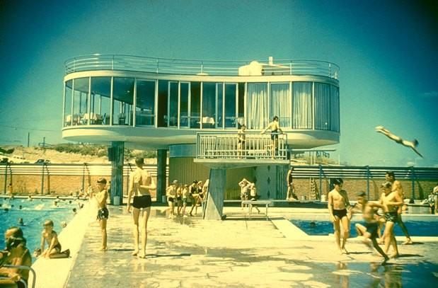 Queensland hot modernism on show state library for Pool show qld