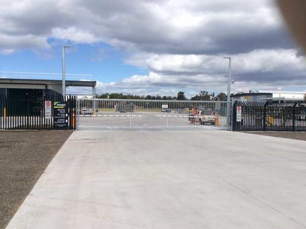 Perimeter protection with Magnetic's boom gates and cantilever gate