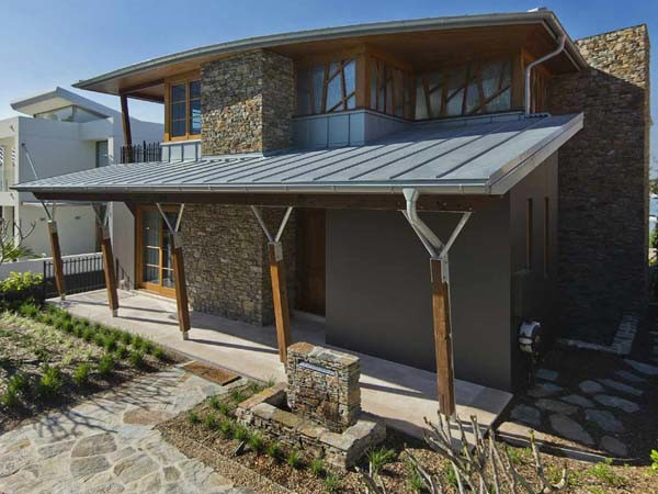Titanium Zinc Roofing Features In Award Winning Cabarita