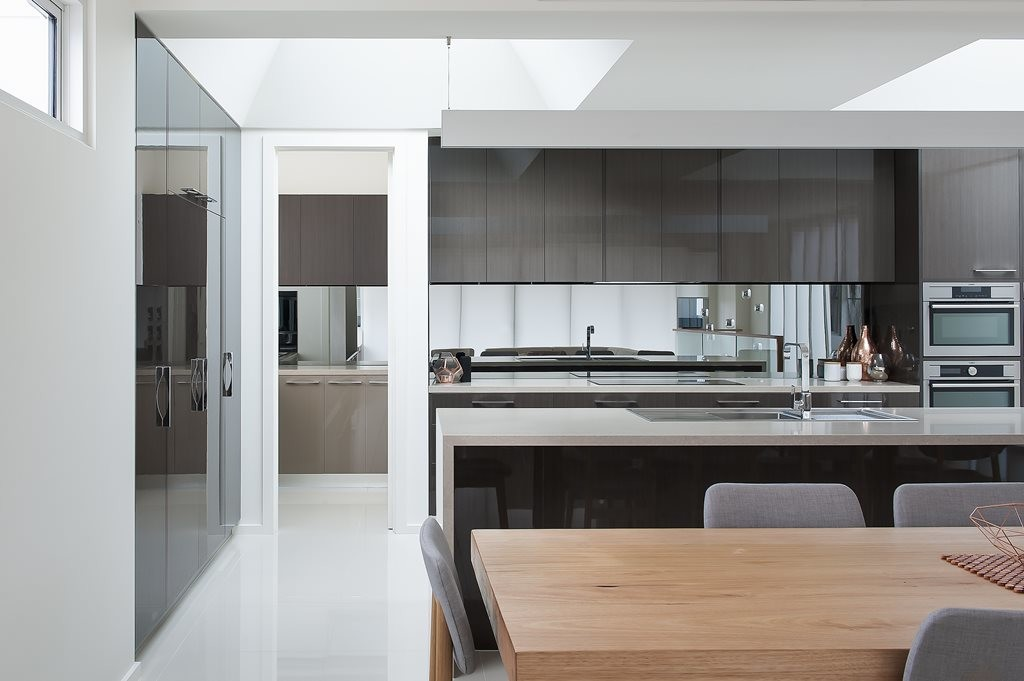Bring the kitchen to life with Createc high gloss kitchen