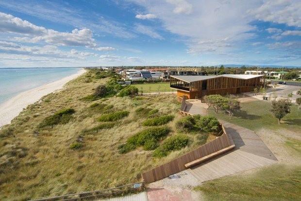 Coastal creation impresses at Victoria's Landscape ...
