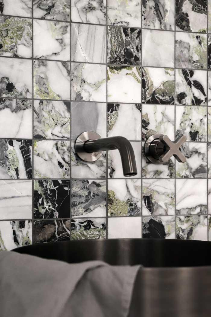 Mosaic bathroom tile colours