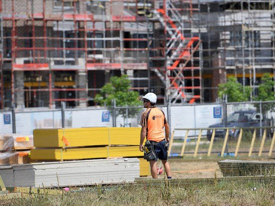 In the past, house building matched high immigration. Construction has increased, particularly in Sydney, but needs to make up the backlog of a decade of undersupply. Image: Dan Himbrechts/AAP