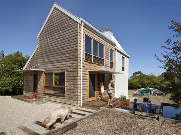 Phillip island home creates changing spaces with mobile for Beach house designs phillip island