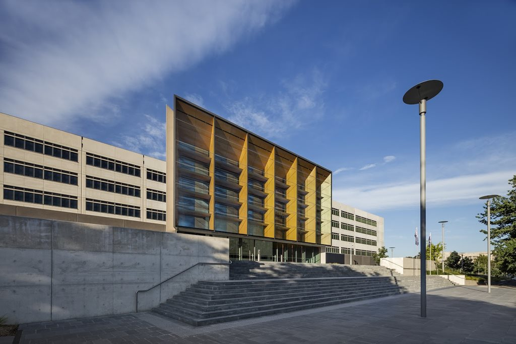 Commercial-Architecture_Award_Ben-Chifley-Building_francis-jones-morehen-thorp_JohnGollings-2.jpg