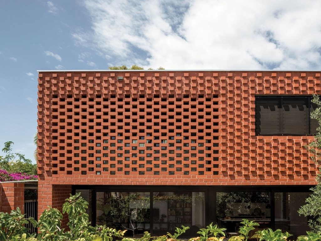 A web of brick: Grey Street House by Local Architecture