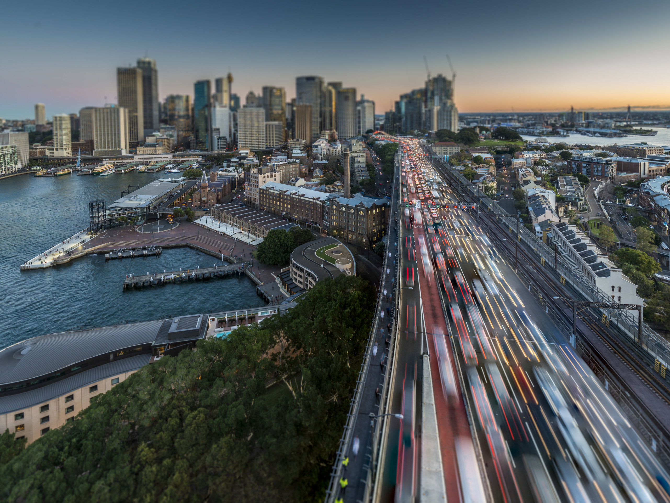 Most of Australia's population is concentrated in big cities like Sydney and Melbourne. Image: shutterstock.com