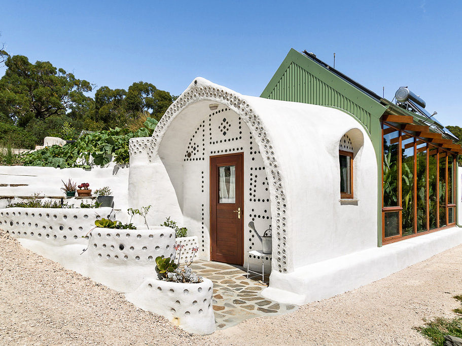 Pioneering sustainability in Australia's first Earthship