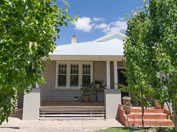 mildura weatherboard house