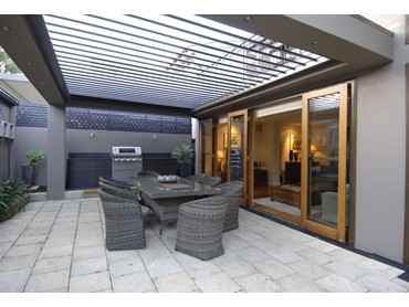 Vergola S Opening Roof System Keeps Outdoor Living Areas