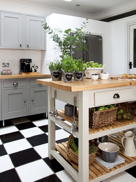 shaker kitchen chequered flooring