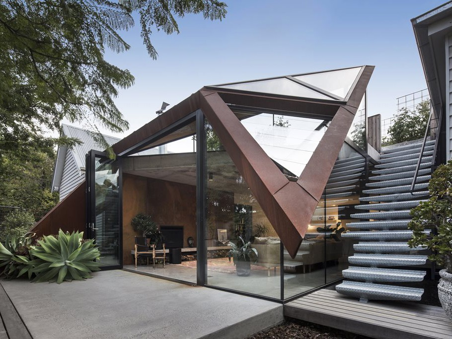 The Leaf House by Damian Rogers Architecture has been shortlisted in the Residential Architecture - Alterations & Additions category. Photography by Alessandro Cerutti