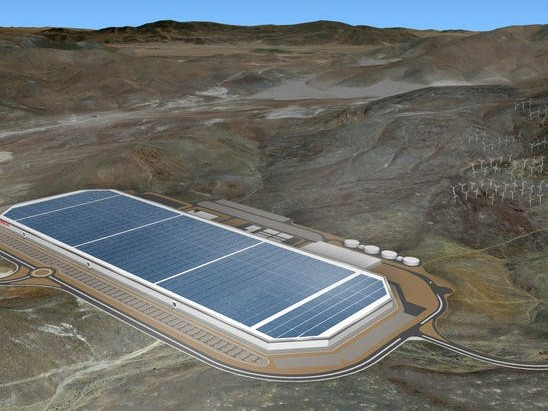 Tesla is installing one of the world's largest solar arrays at its Gigafactory 1 in Nevada. Image: EPA