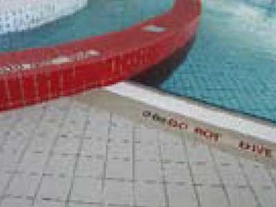 Hydrotect coated ceramic tiles are recommended for swimming pools