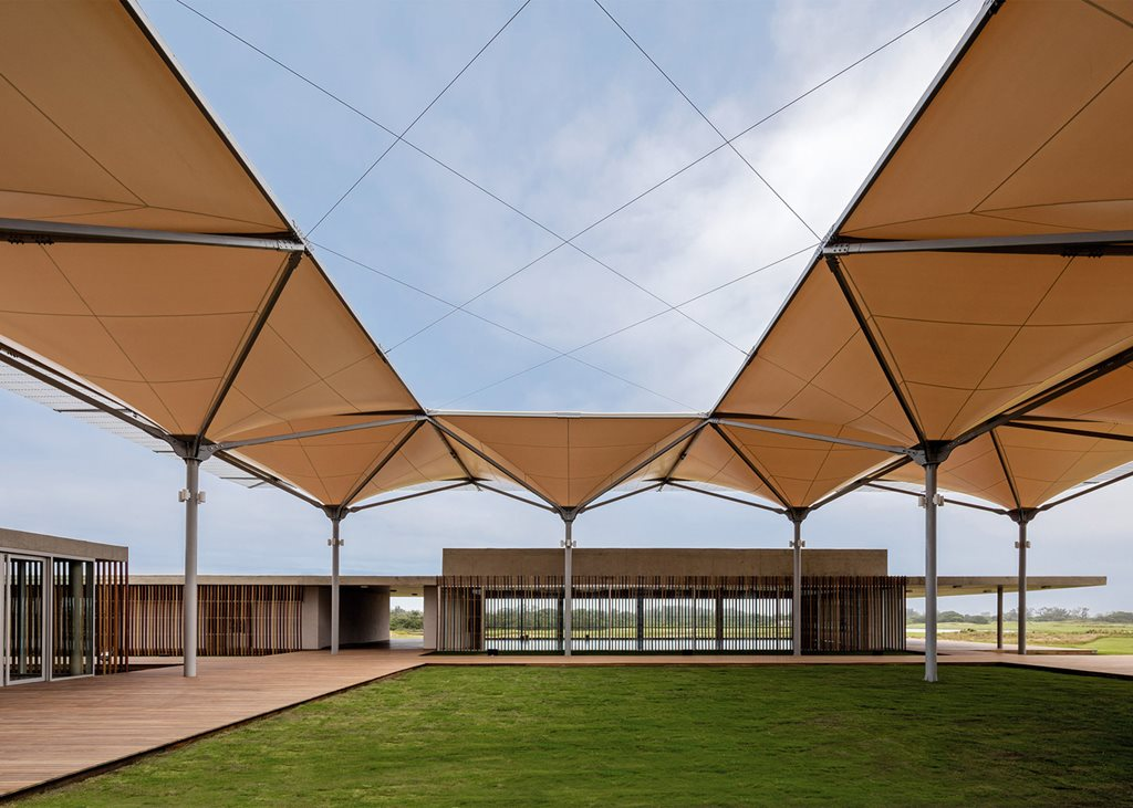 olympic-golf-course-rua-arquitectos-sports-centres-architecture-brazil-2016_dezeen_1568_1-1.jpg