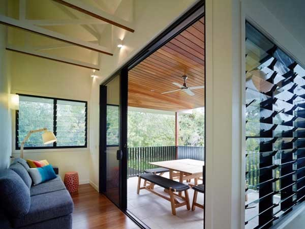The Mooloomba home featuring Altair louvre windows (Photographer Scott Burrows; Aperture Photography)