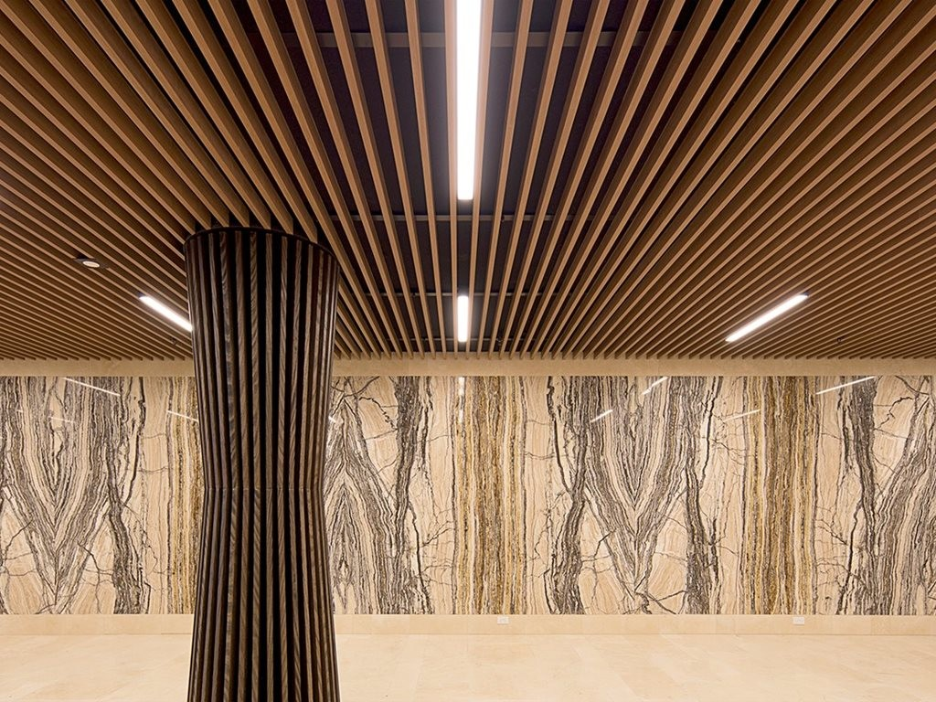Floating Batten Ceiling Injects Warmth Into Luxe