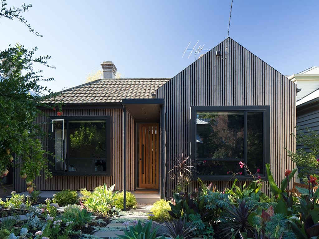 Sustainable timber-clad transformation of Victorian cottage