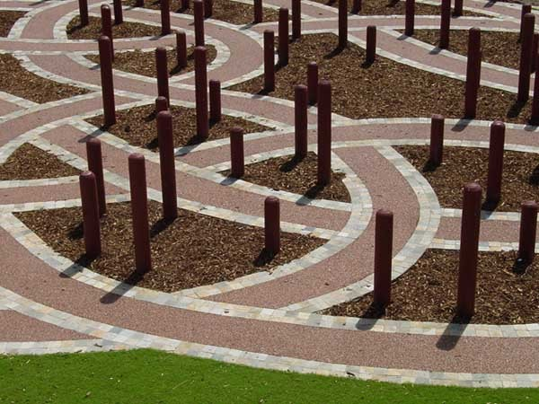 The Rockpave range allows landscape designers to create virtually any external design for paved surfaces