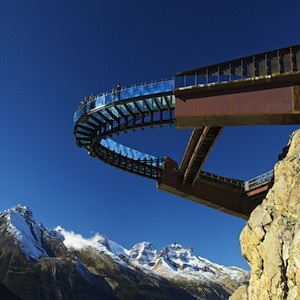 Glass Observation Deck Protrudes 30 Metres From Cliff