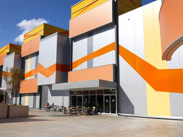 MetecnoInspire provides a bold and colourful external appearance