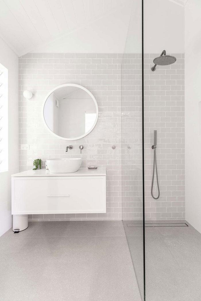Cape-Beach-House-Bathroom-decor