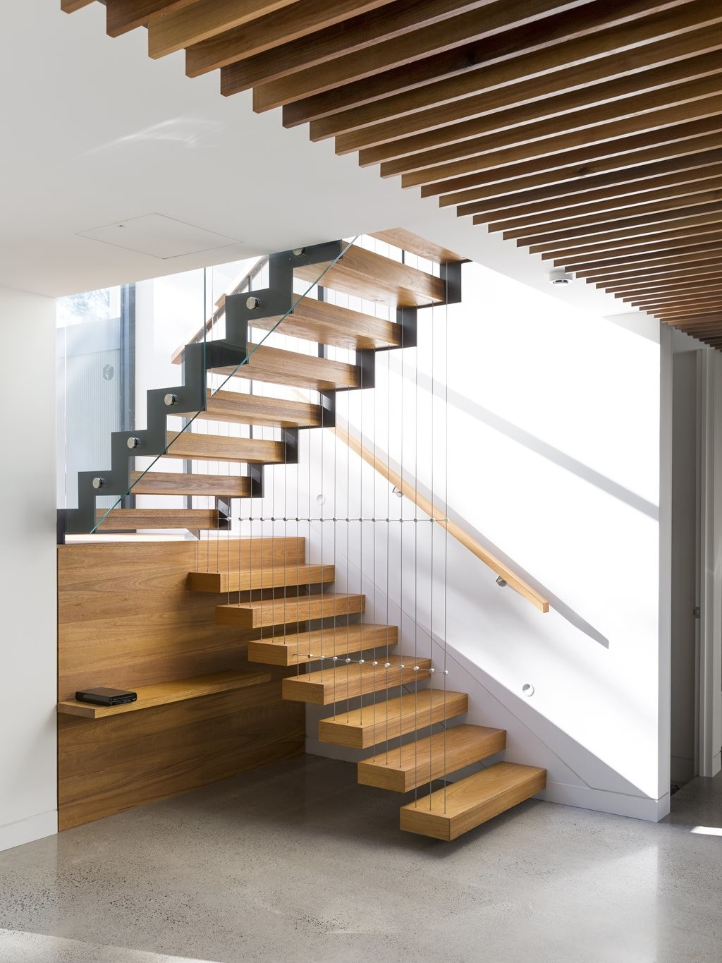 Floating Concrete Stairs Design
