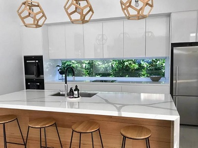 Evergreen green wall as kitchen splashback