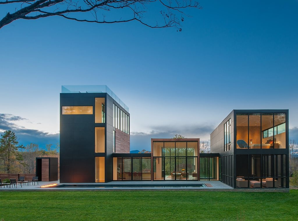 4 Springs Lane, Virginia, by Robert M. Gurney Architect. Photography by Maxwell MacKenzie