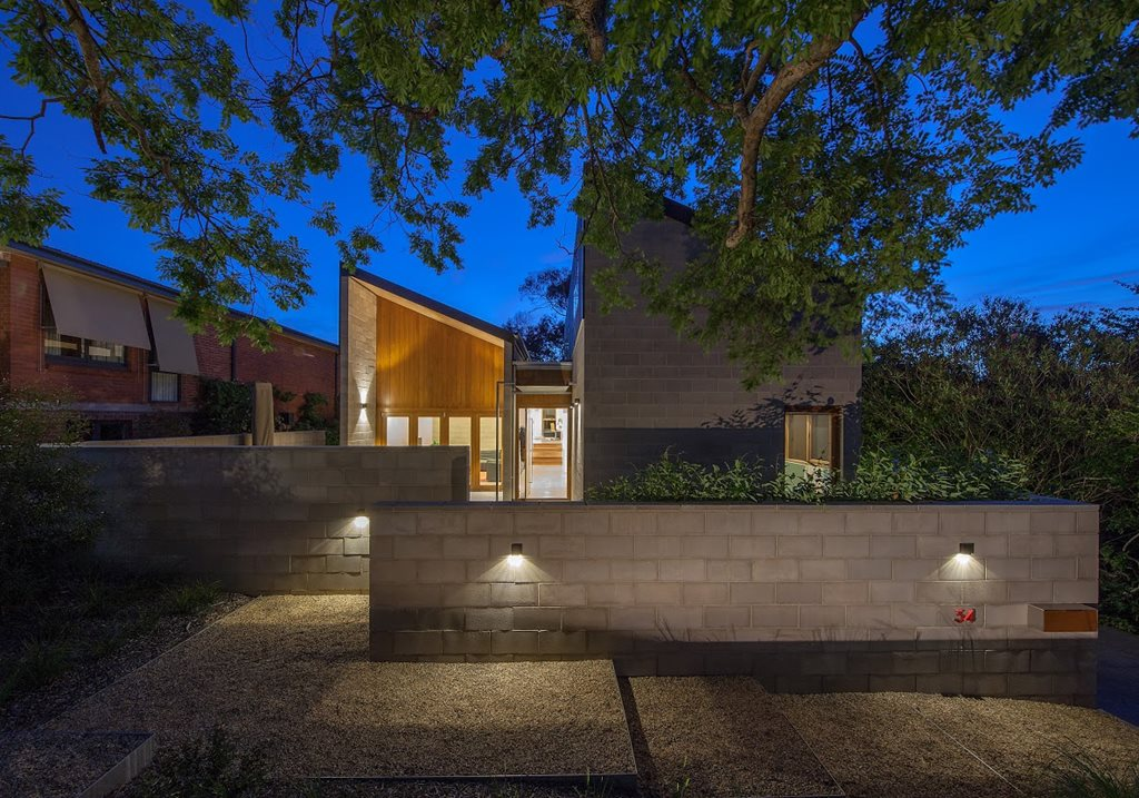 Residential-New_Named-Award-Malcolm-Moir-and-Heather-Sutherland-Award_King-House_Cox-Architecture_BenWrigley.jpg