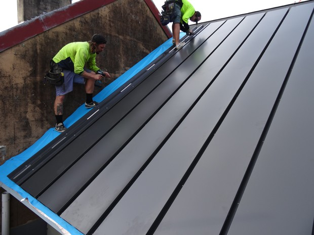 The team behind the system also announced that the first residential application was made earlier in the Illawarra region where a tile roof was replaced ... & Australiau0027s first solar-steel roof goes on show in Sydney ... memphite.com